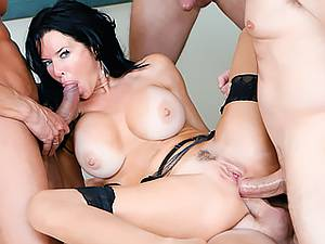 Sultry 40-year-old mom loves hard gangbang